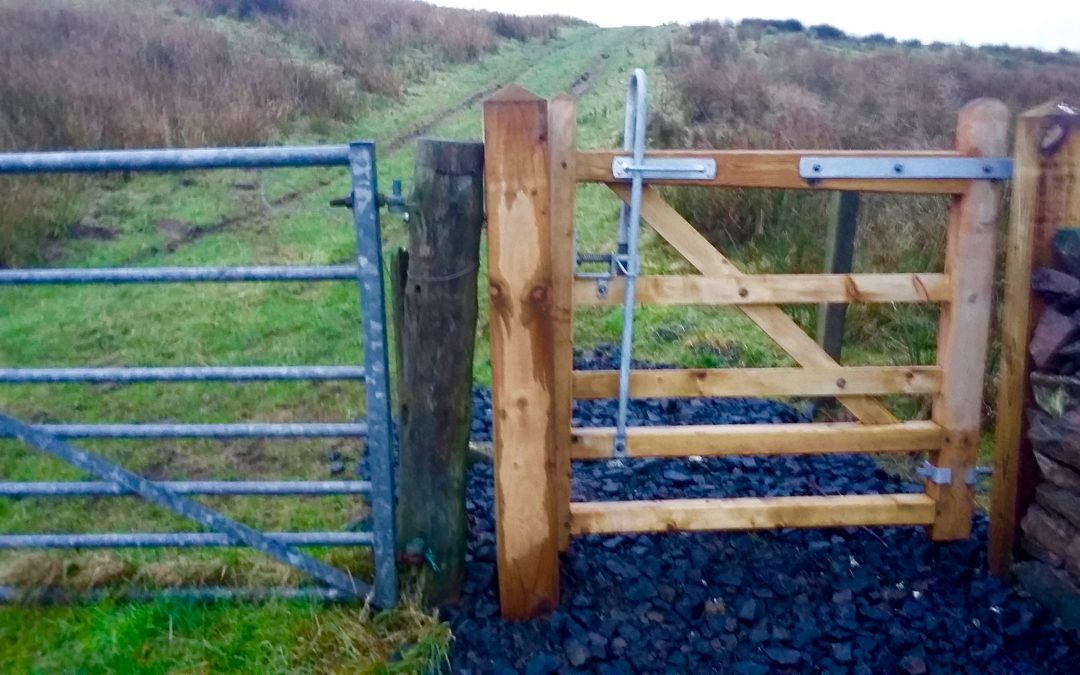 December 2019: Bridle gate installed on Barone Hill path